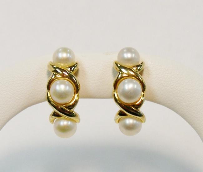 14k yellow gold 5 1 2 mm white pearl stud earrings